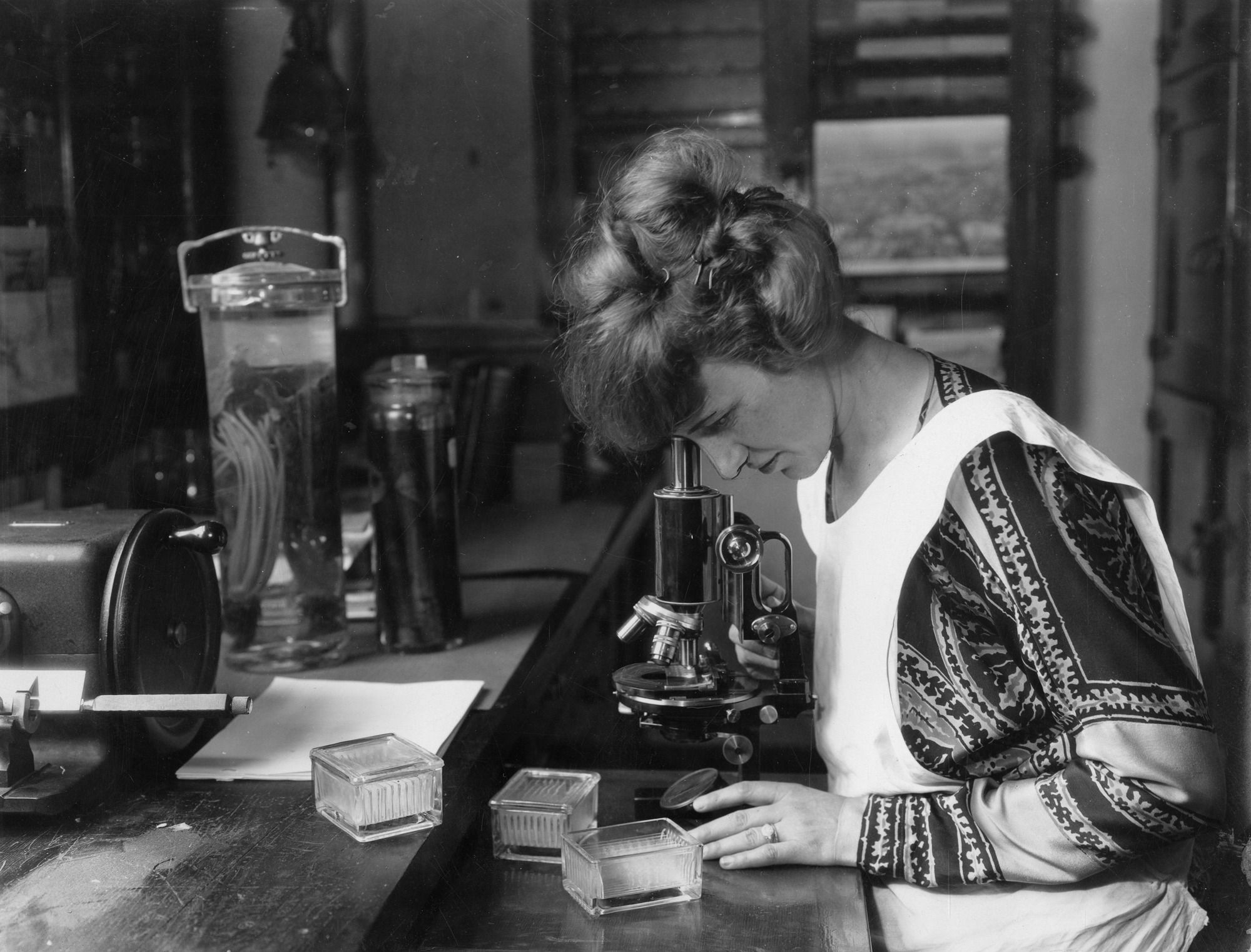 Buried in Footnotes, Women's Scientific Accomplishments Finally Come to Light