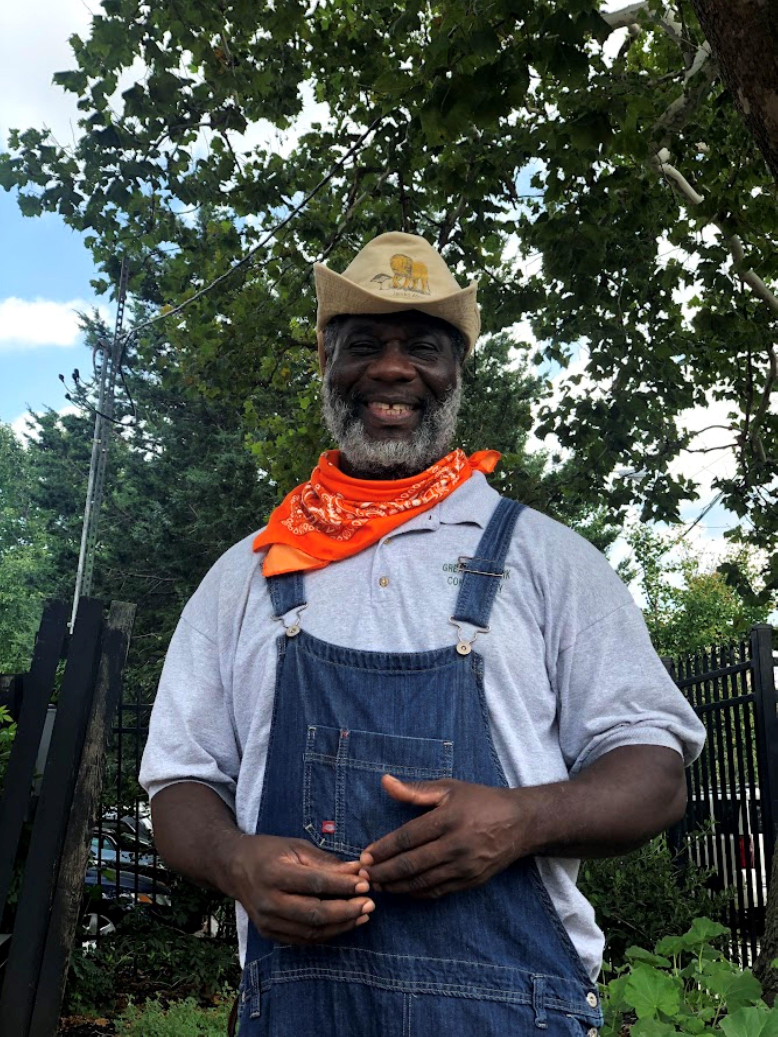 Hawthorne Ave Farm Manager