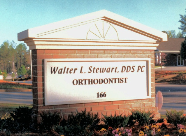BA11512 – Brick Facade Peaked Roof Monument Sign for Orthodontist Office