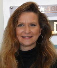 Lori Henderson, Administration