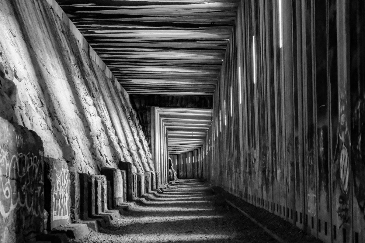 Chiaroscuro Tunnel
