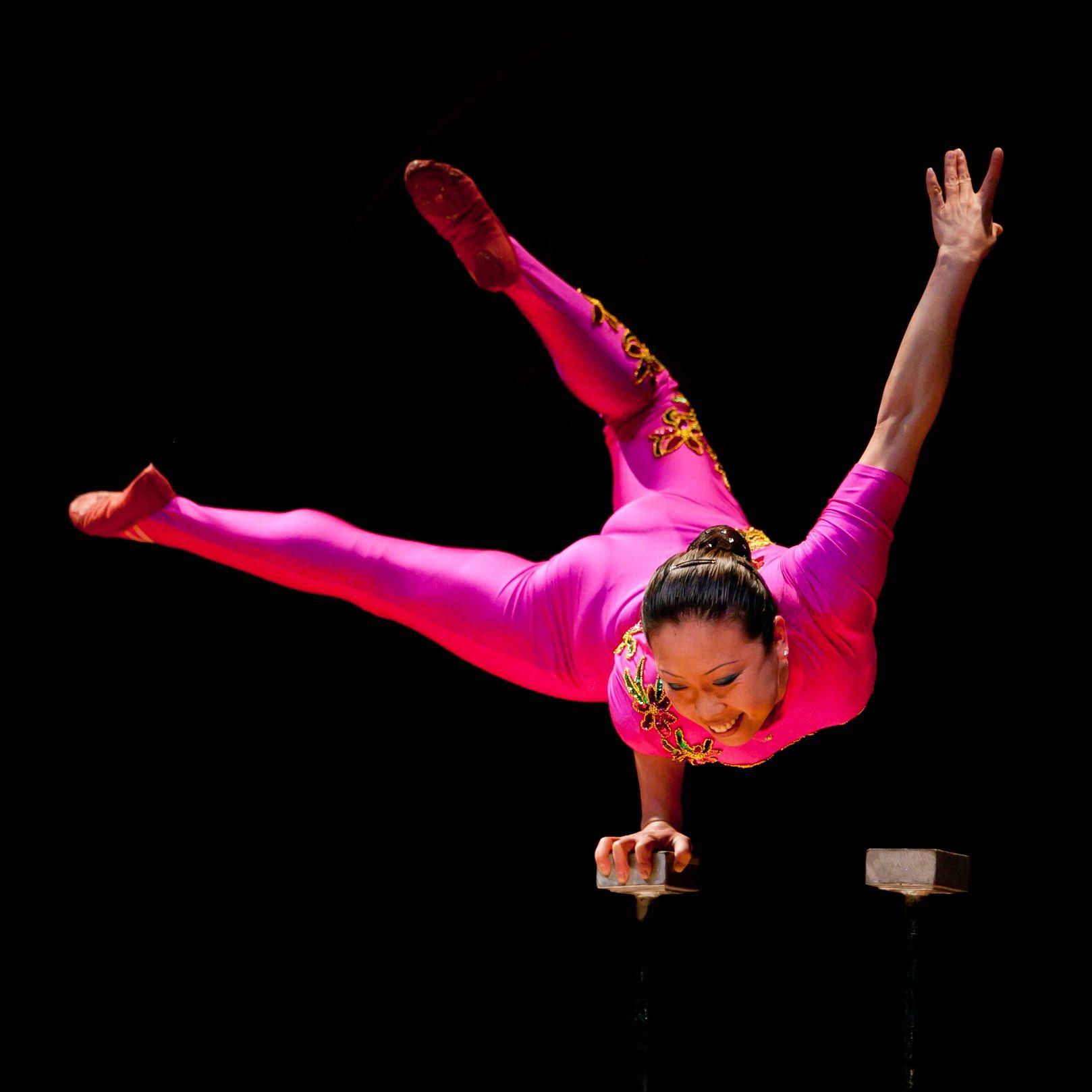 PACK Event: Chinese Acrobat Li Liu