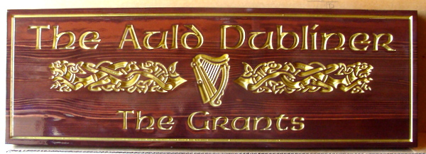 "RB27552 -  Carved and Engraved  Redwood  ""The Old Dubliner"" Wall Plaque, with Irish Harp in 24K Gold Leaf"