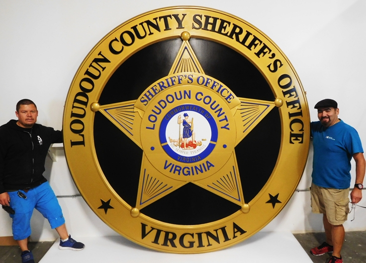 PP-1172 - Very Large Carved Plaque of the Badge of the Loudoun County Sheriff's Office, Virginia, 3D and Artist Painted