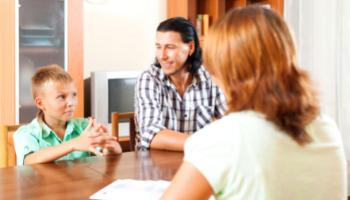 Obtener ayuda de un trabajador social de HTC (Español)