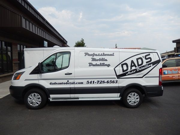 Vehicle Vinyl Lettering Bend and Central OR