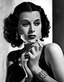 1942: Hedy Markey (Lamarr) Receives Patent
