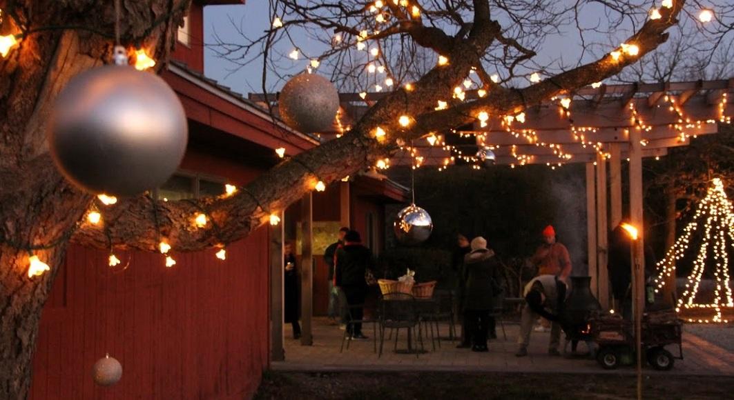 Ring in the Season December 9 at the Candlelit Caroling Celebration!
