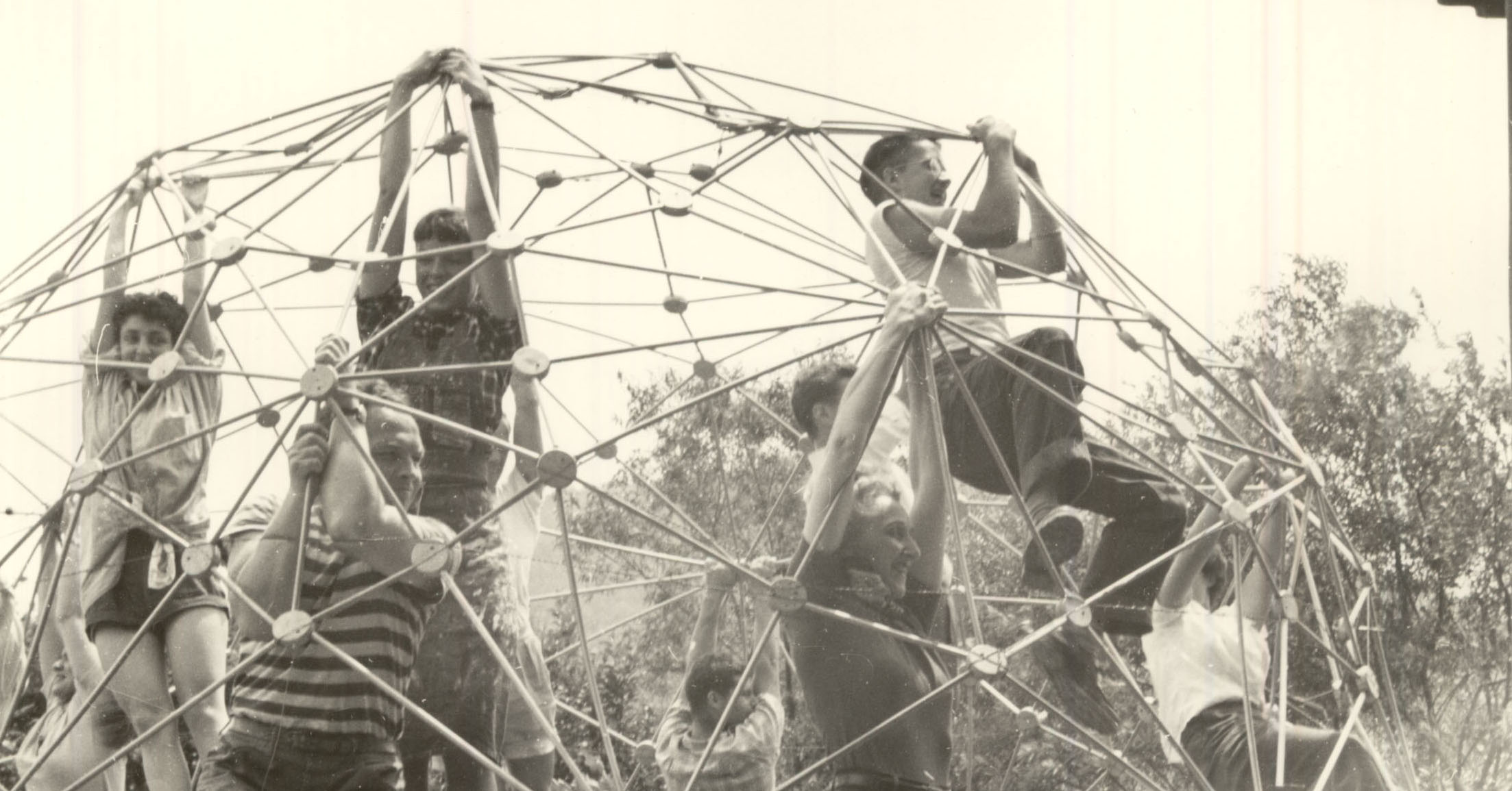 Arts at the Center: A History of Black Mountain College