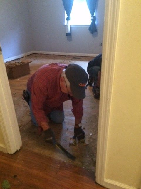 Catoosa County Habitat for Humanity Volunteers Help Local Resident