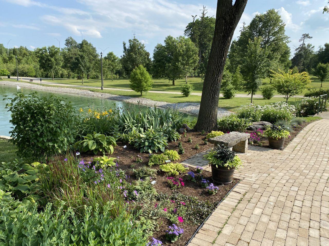 8. Lt. William Putnam Memorial Garden