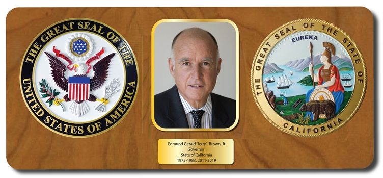 EA-1072 - Plaque for the Governor of California, Jerry Brown, with Photo and Great Seals of the US and California.