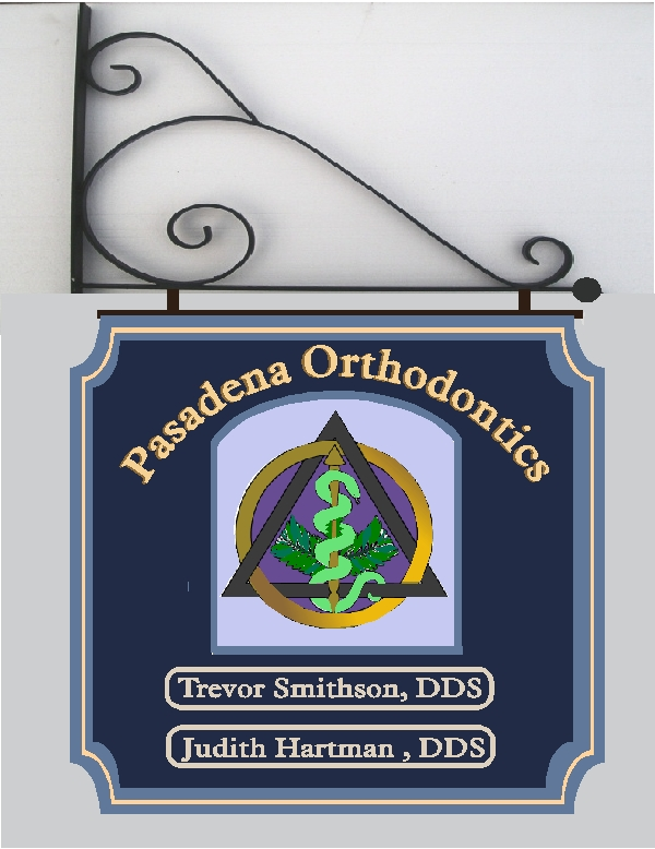 BA11585 – Hanging Orthodontic Sign with Carved 3D Dentistry Insignia.