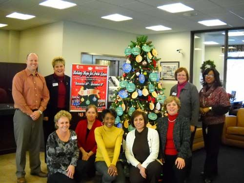 Oak Lawn Standard Bank and Trust donates to Park Lawn