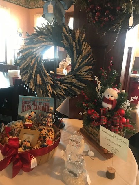 Deck the Walls! Holiday Gala Fundraiser 2020