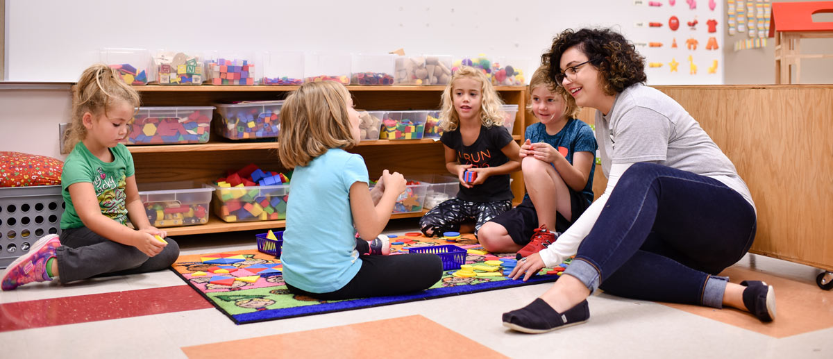 Need to earn college funds? Serve in our early childhood national service program!