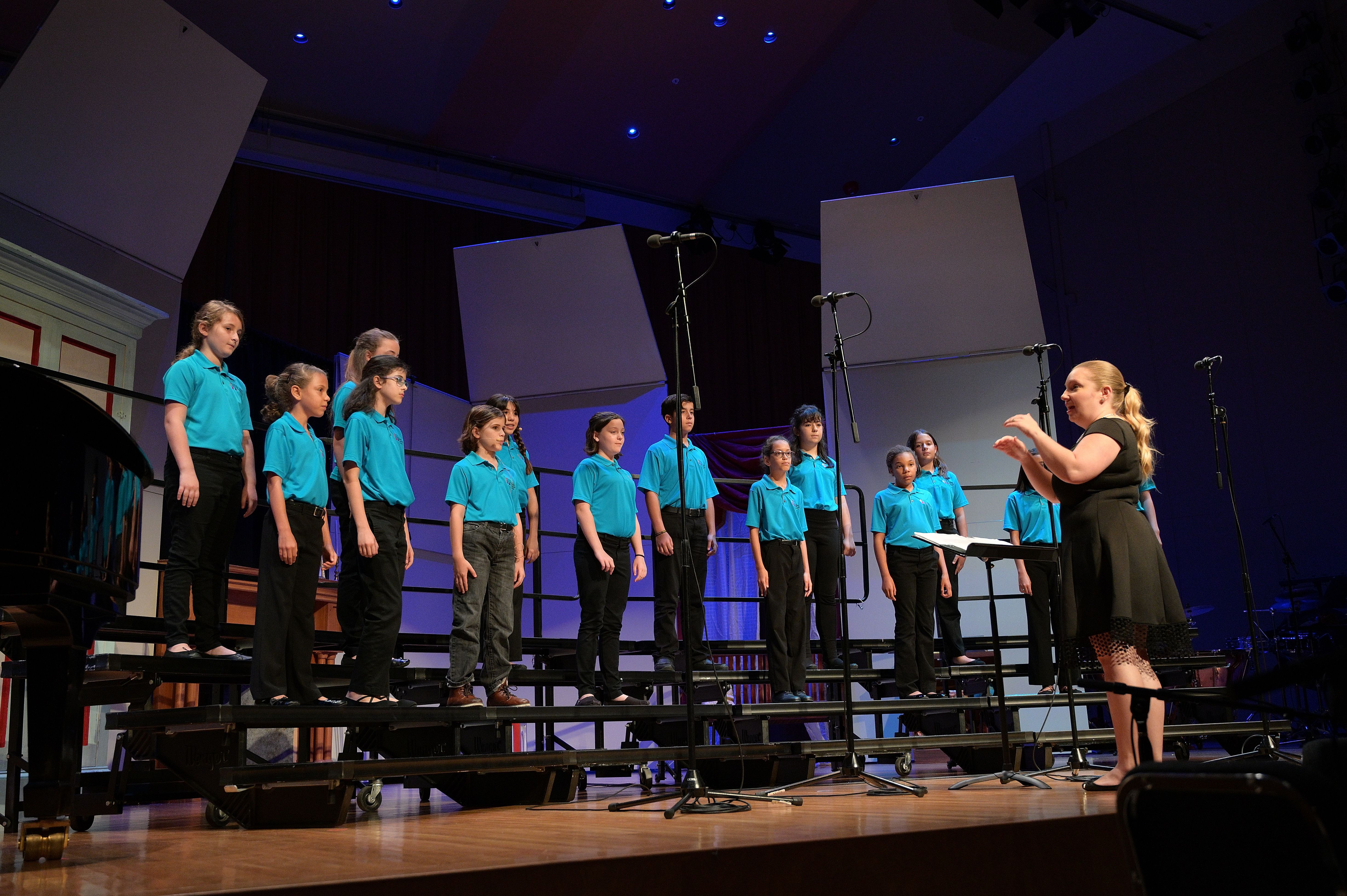 Intermediate Chorus, 18-19 Spring Concert - The Storm is Passing Over