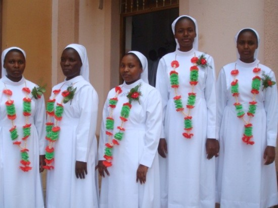 5 Newly Professed Sisters in Ndanda