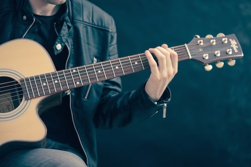 5 Health Benefits of Playing Music