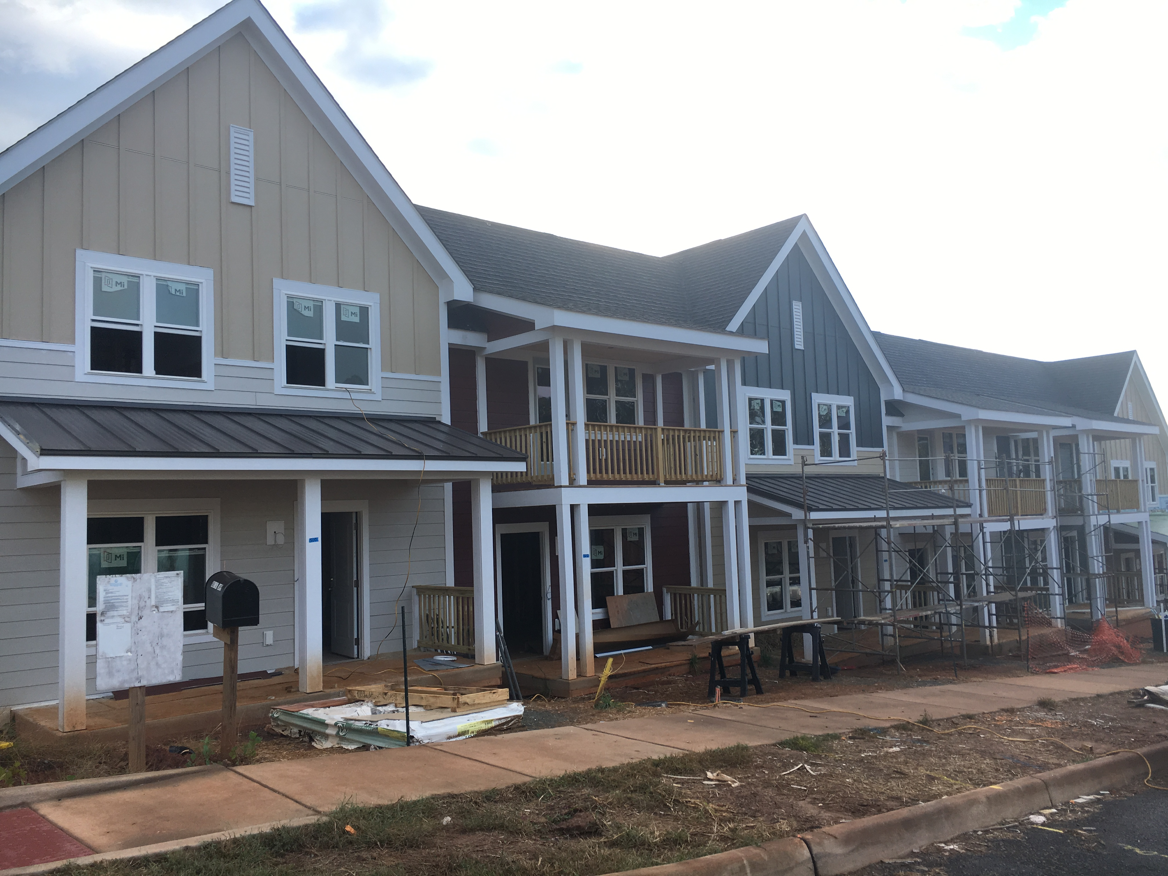 Lochlyn Front Siding and Porches Complete