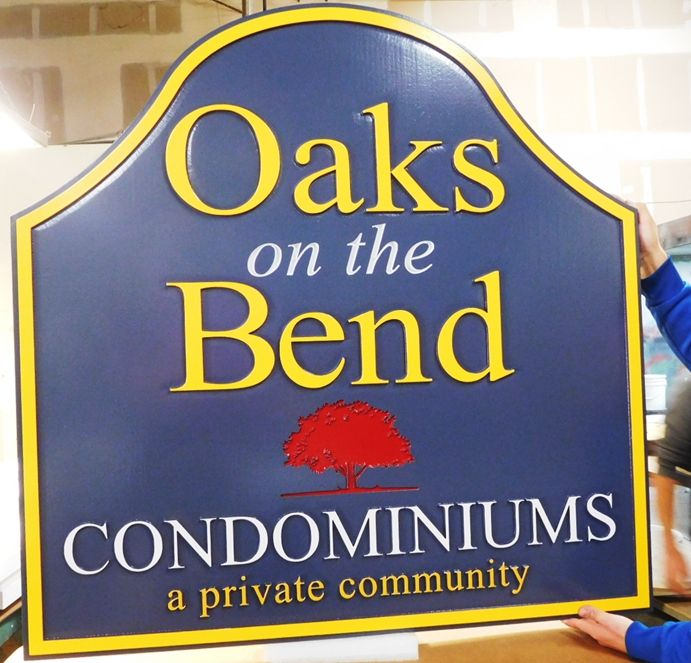 "K20321 -  Carved Entrance HDU Sign,  for ,""Oaks on the Bend"" Condominums"