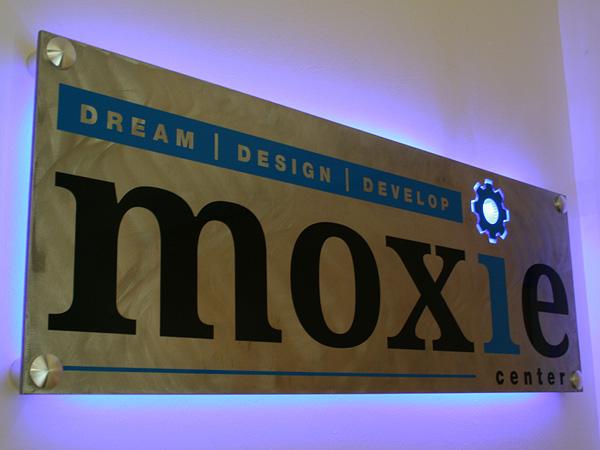 Sign Moxie