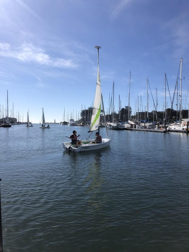 "4 FREE Spots for the ""Junior Beginning Dinghy Sailing Class"" Ages 11-16!"