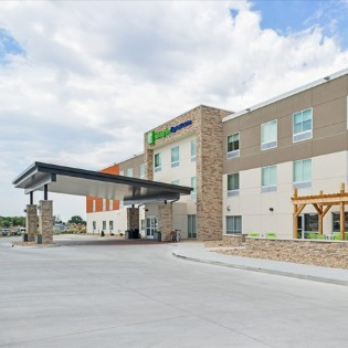 Holiday Inn Express & Suites - Chadron