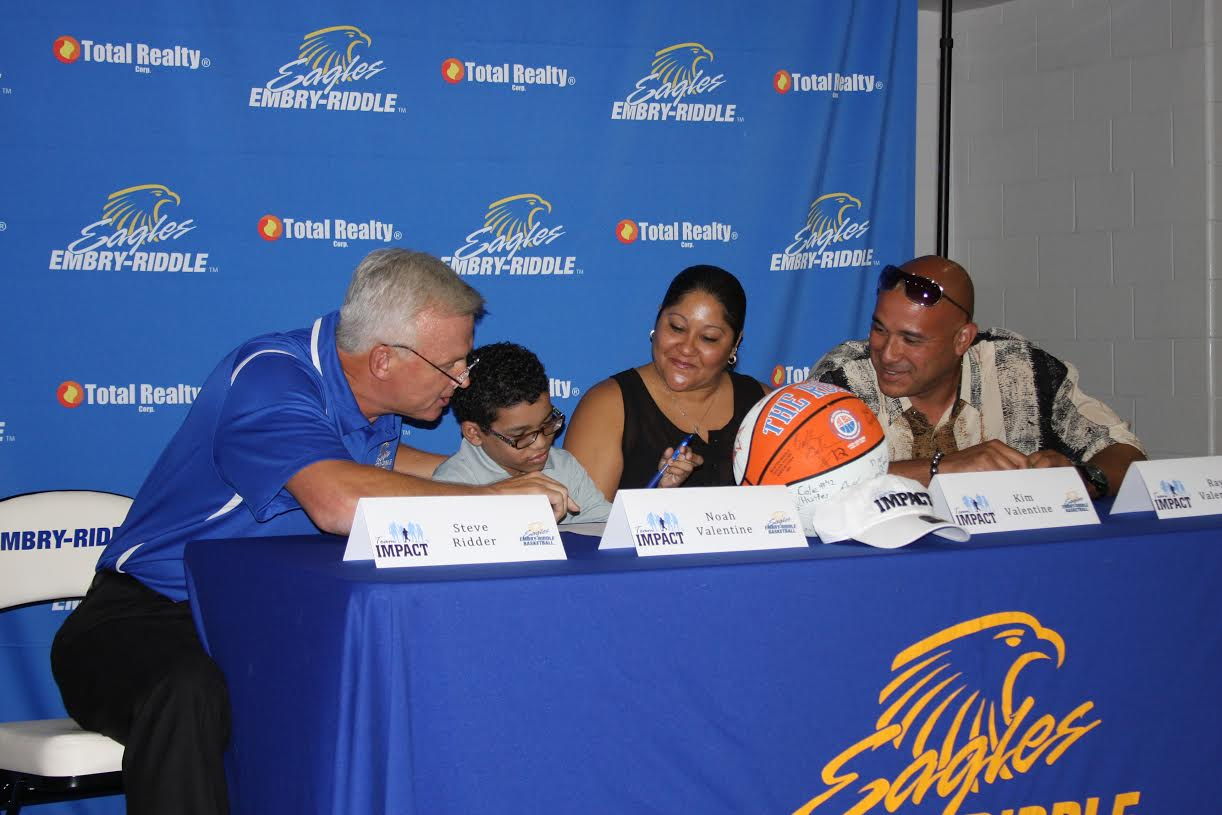 Noah Signs with @ERAUMBasketball via Team IMPACT