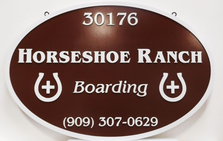 O24270 - Carved Horseshoe Ranch Entrance Sign, 2.5-D with Horseshoes as Artwork