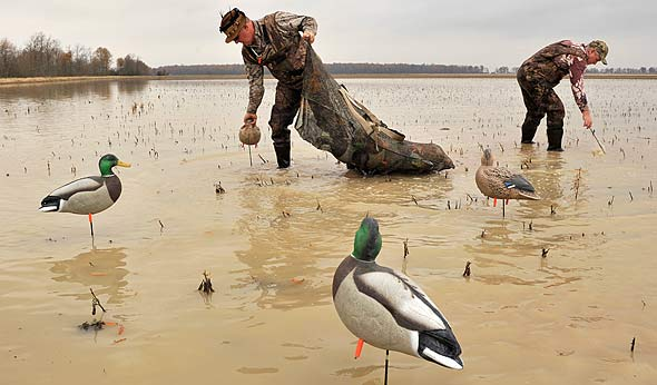 Is it a good idea to have a mix of decoy sizes in your spread?