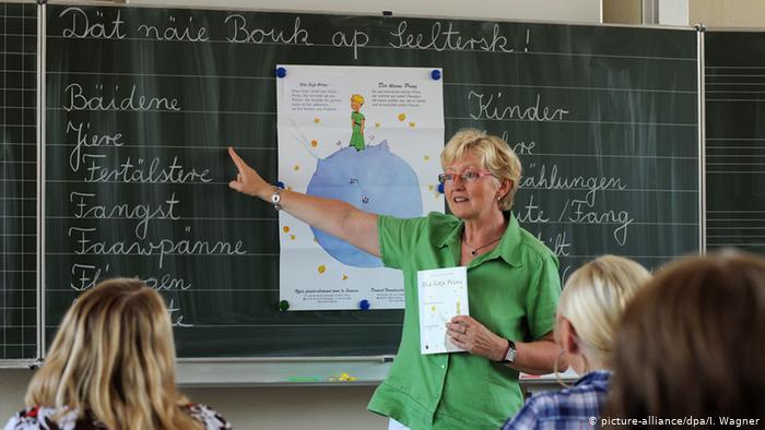 Linguists seek to preserve endangered regional German dialects