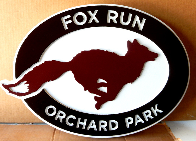 "I18556 - Carved Property Name Sign,""Fox Run"", with Running Fox"