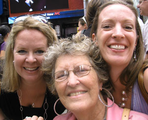 Sandra Nentwig with daughters Karry and Kelly