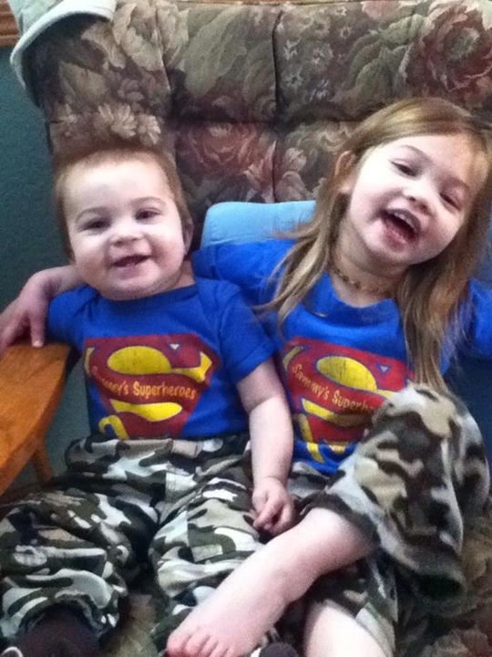 Look at these cute Superhero cousins! Allison insisted that she and Max should match today, in their Sammy shirts and camo pants. Aren't they adorable?!
