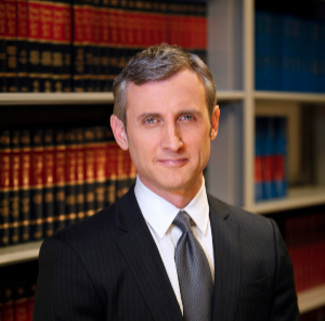 Best-Selling Author, TV Host and Legal Analyst Dan Abrams Will Be Featured At A Benefit for RSS