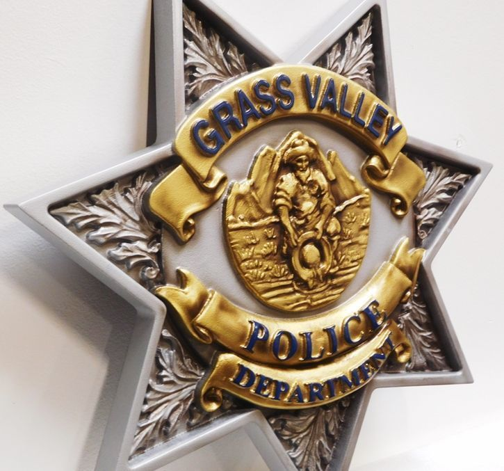 X33747 - Carved 3-D HDU  Plaque of the Badge of the Grass Valley City Police Department