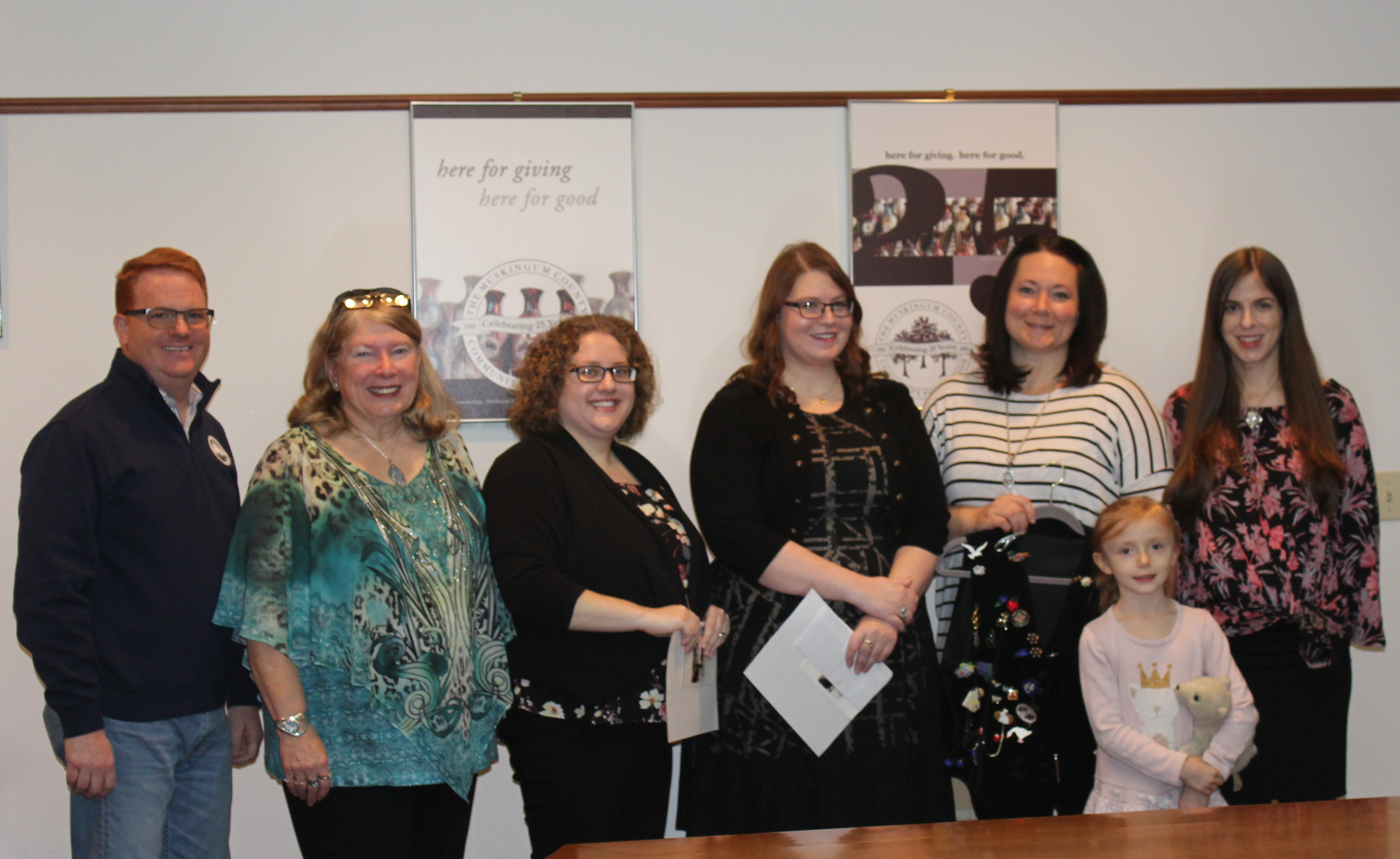 Two Muskingum County Natives Receive Scholarship