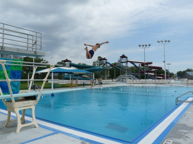 How to address private swimming lessons at your public facility