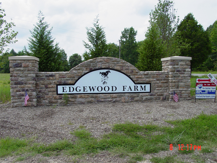 Edgewood Farm Community Sign