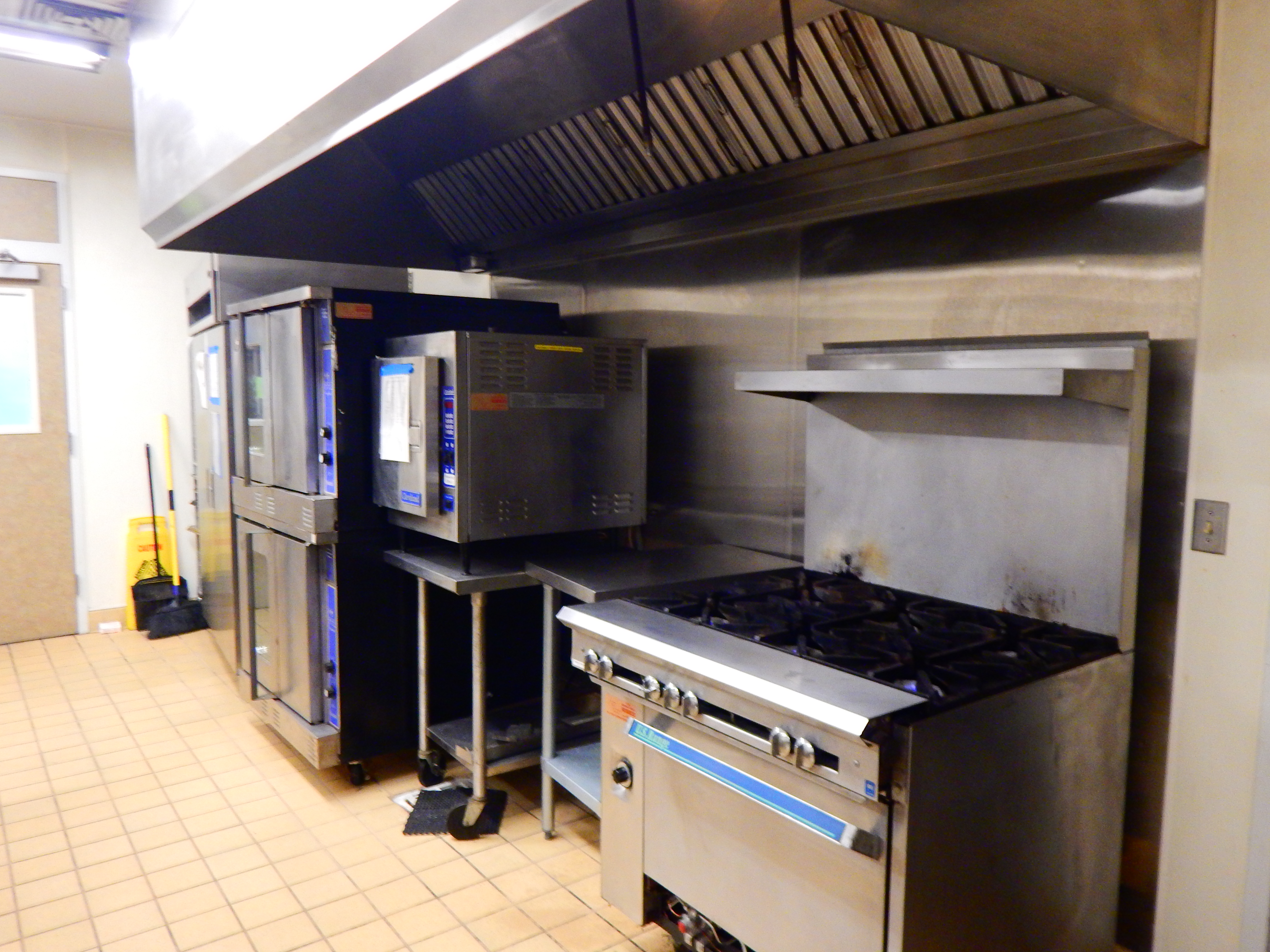 Raley Commercial Kitchen