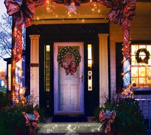 Give the Gift of Art at the Holiday Shoppes