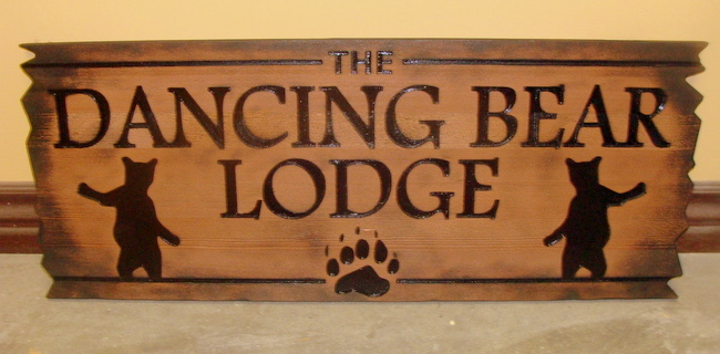 M3024 - Dancing Bear Lodge Vintage Cedar Sign (Gallery 21)