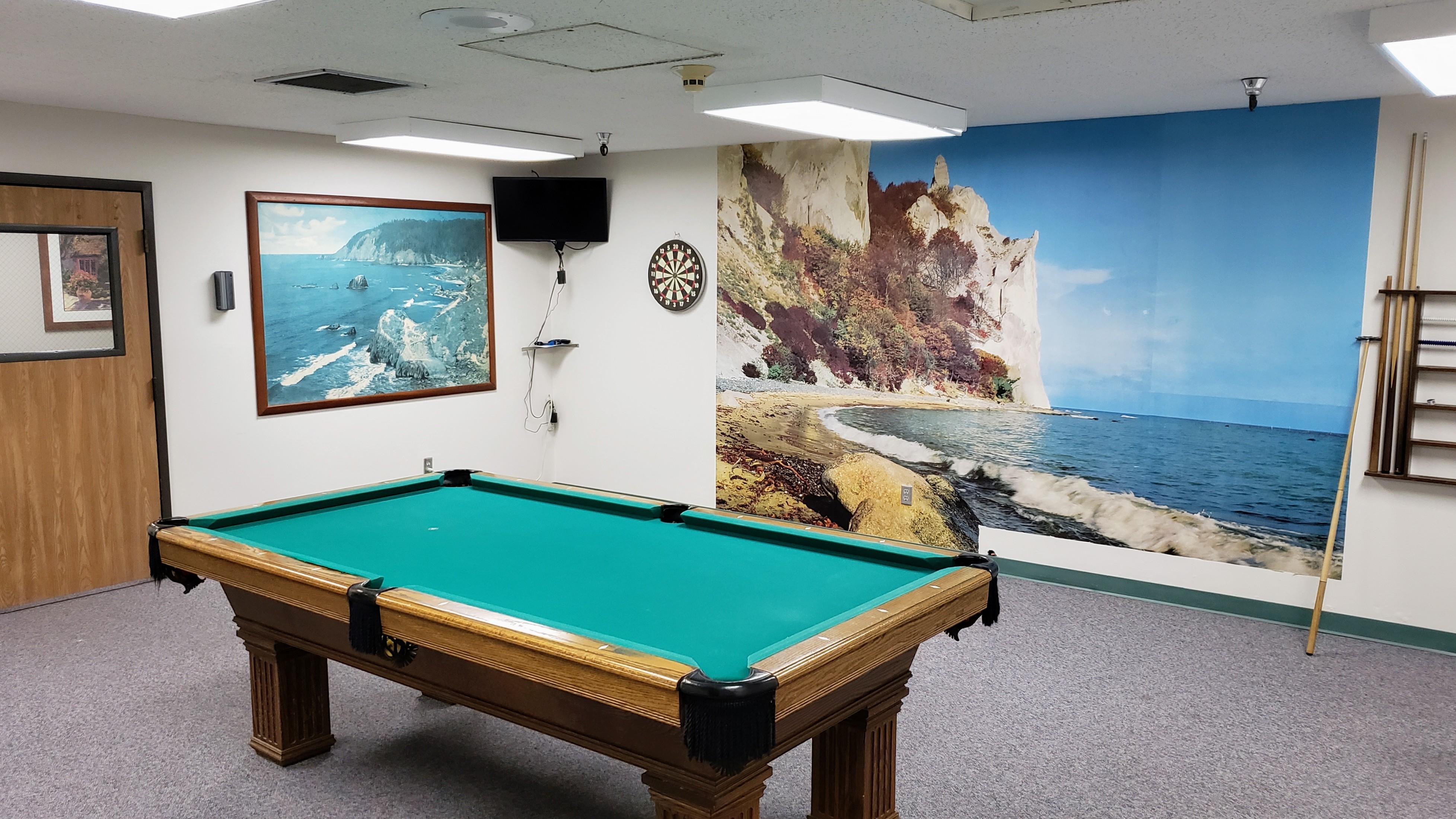 Beachwood game room