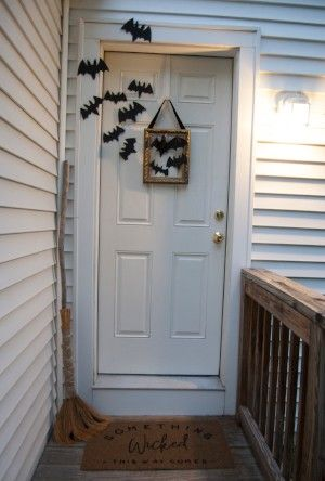 Goodwill Halloween DIY spooky doorway