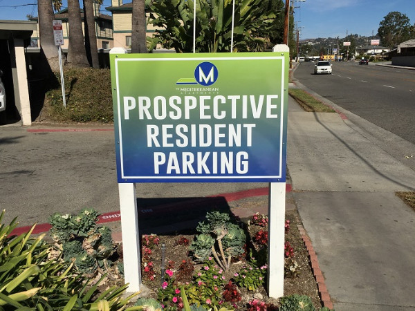 Parking signs for apartment complexes in Orange County CA