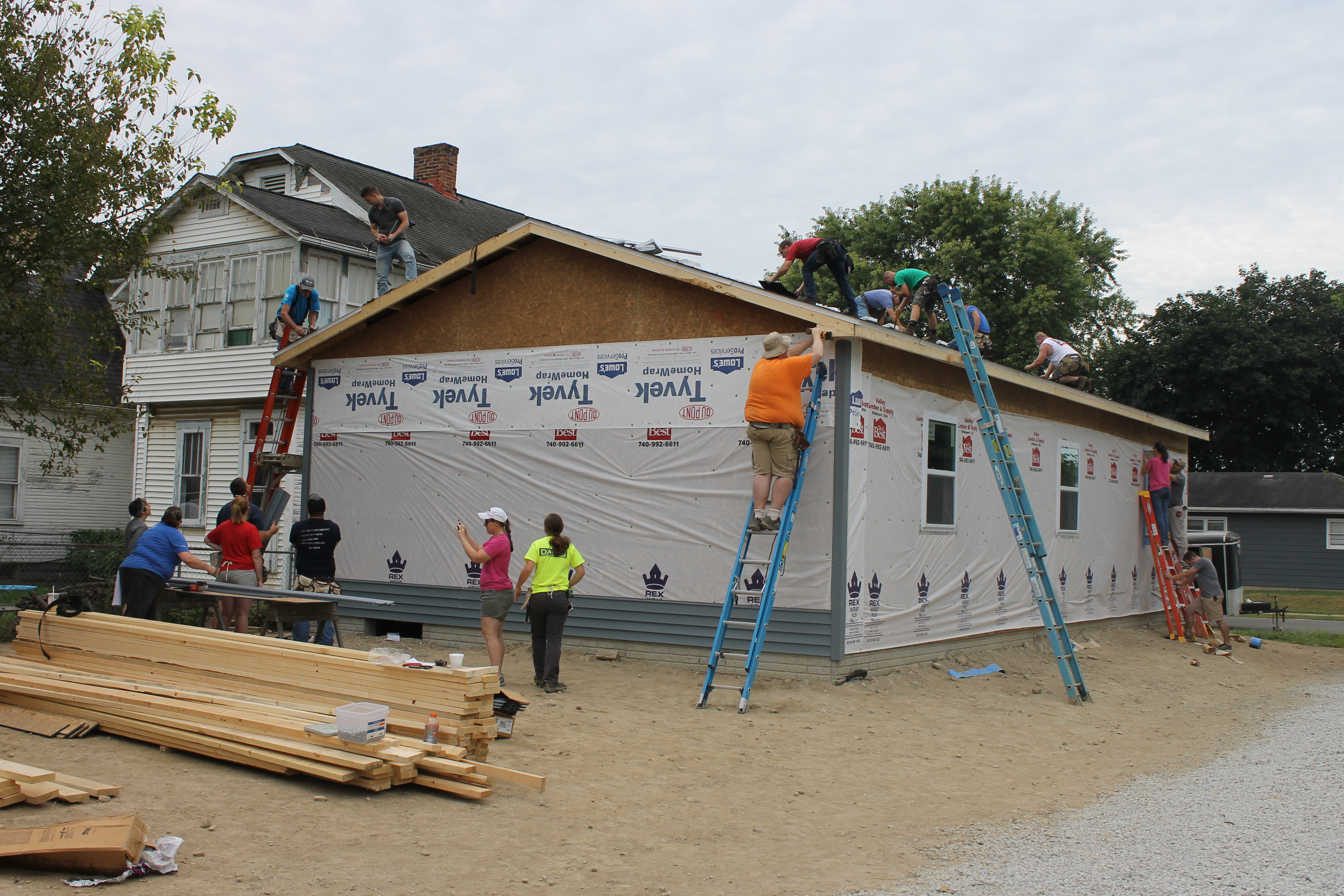 Siding being put up on Blitz build