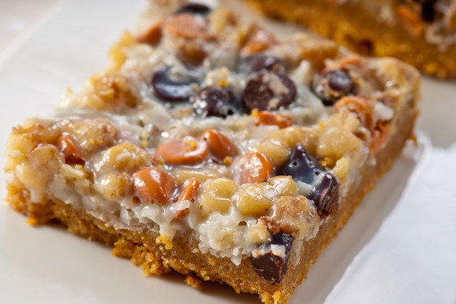 White Chocolate Bar With Nuts