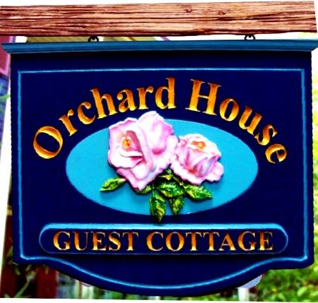 M2010 - Carved 3D Roses B&B Sign (Gallery 29)