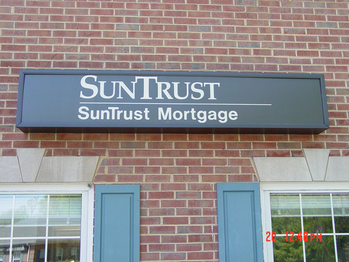 Suntrust Storefront Sign